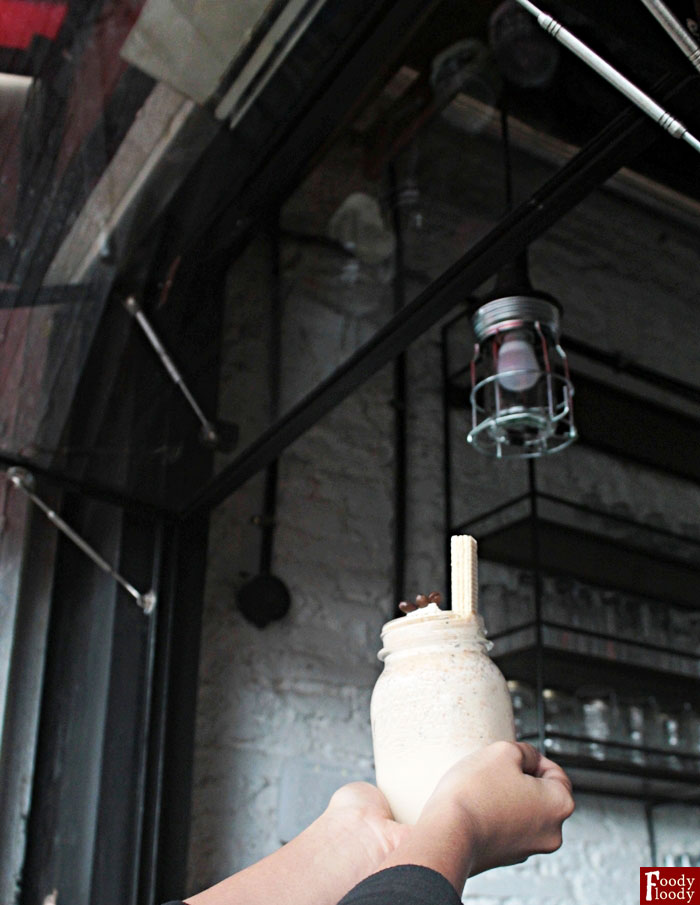 Milkshake Coffee Manis Gurih Cafe