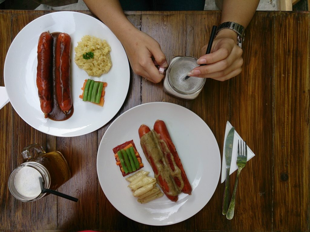 Burnette and Gluttinos Sausage
