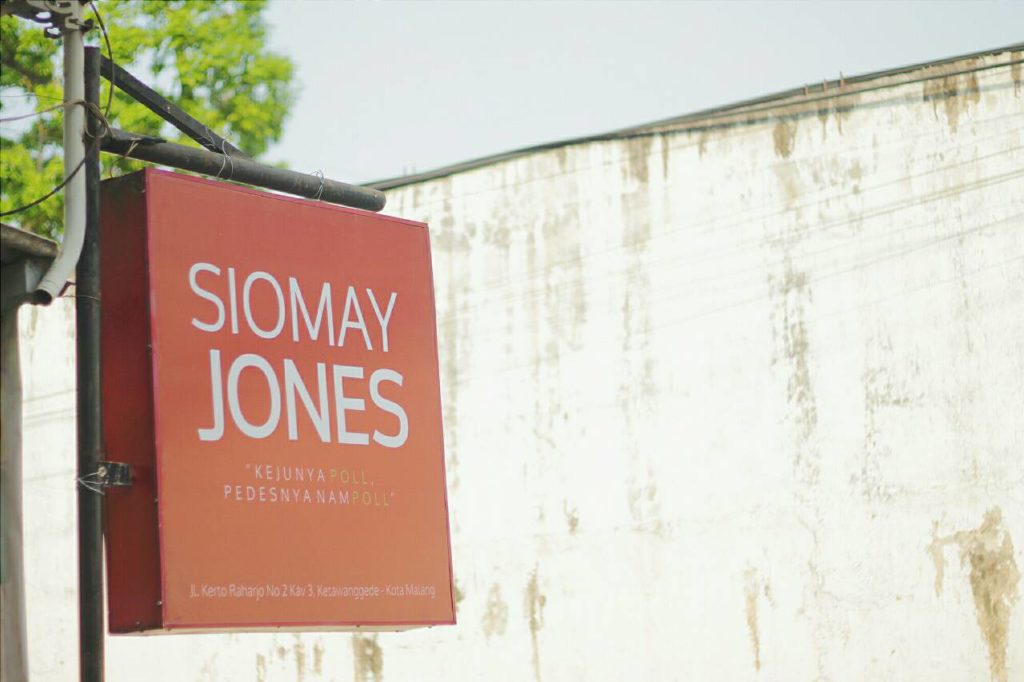 Siomay Jones