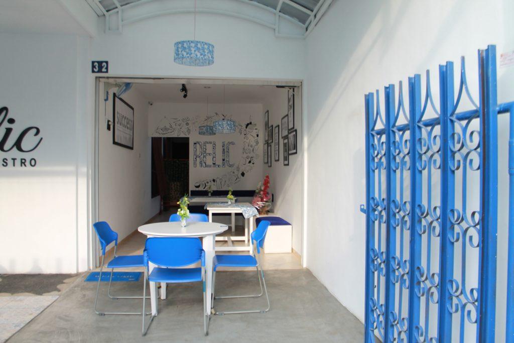 Relic Bistro Malang Ambience sofa