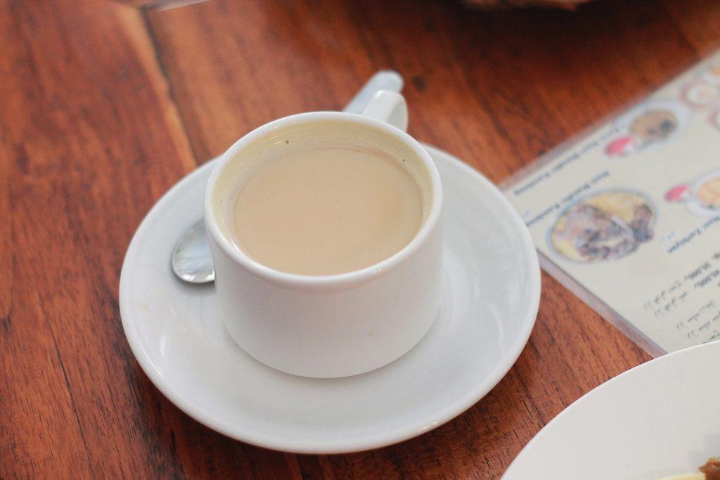 Hot teh susu