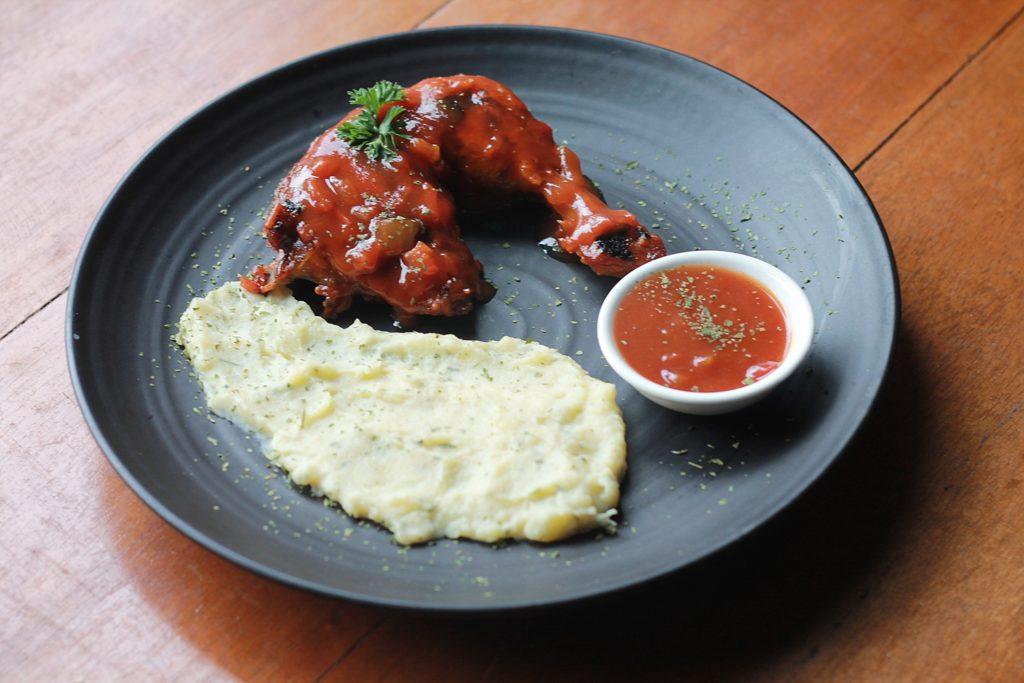 dahr-eatery-grilled-chicken-thigh-bbq