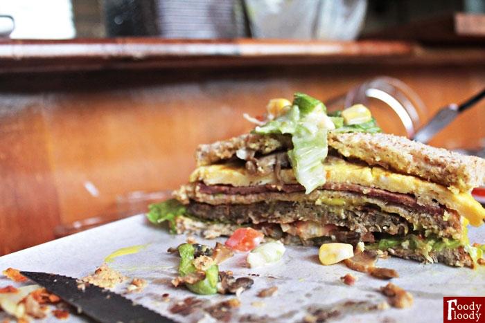 Manis-Gurih-Resto-adn-Cafe-Malang