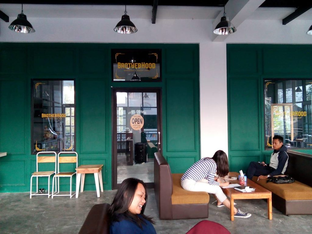 Brotherhood Barbershop di Lantai Dua