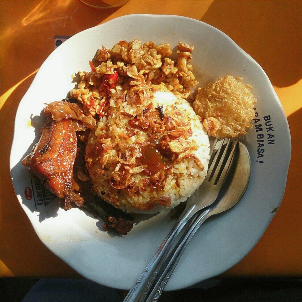 Nasi Ayam Bumbu Kurma