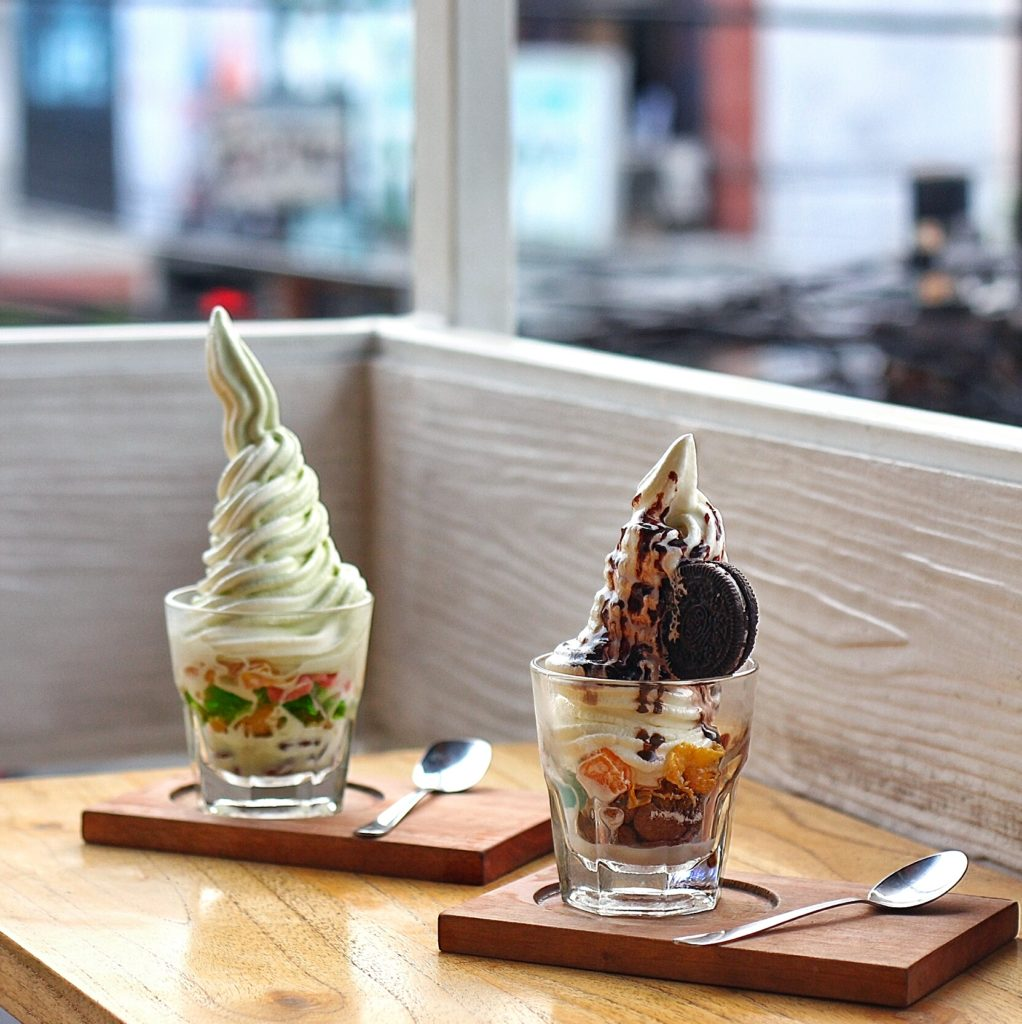 LOGO BOARD GAMES CAFE -Logo Parfait & Logo Chocolate-