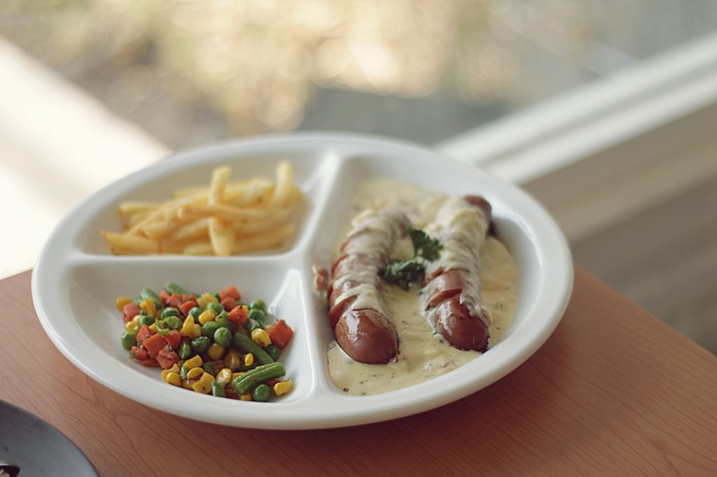 Cafe Right Time Malang -Sausage Carbonara Sauce-