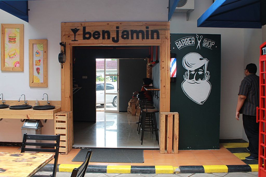 AKALPA Cafe Malang -Decoration Barber-