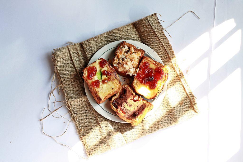 Roti Sobek aneka Topping
