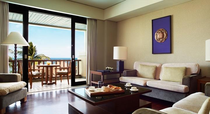 Conrad Bali - resortoceansuite_livingroom