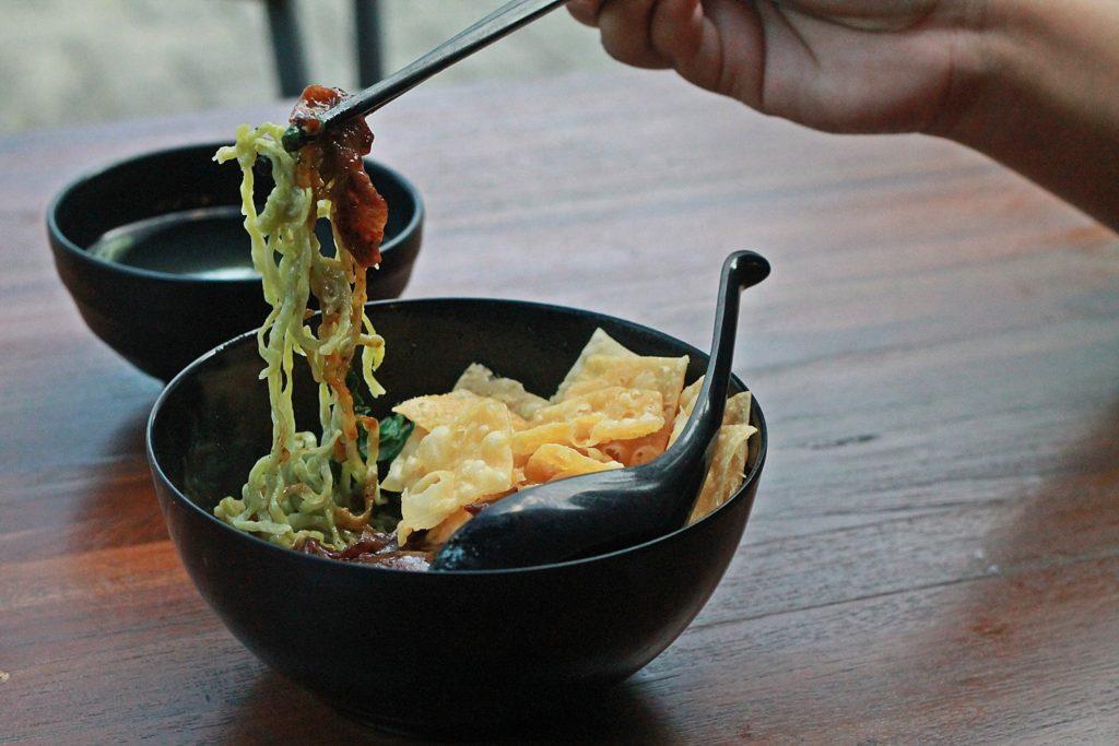 OTW Food Street -Mie Hijau Sapi Lada Hitam-