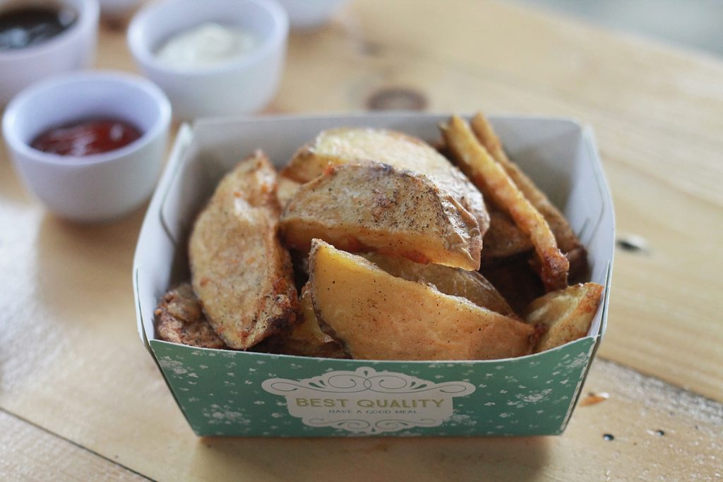 wingslar-chicken-wings-potato-wedges