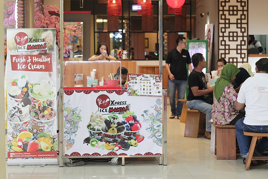 ice-cream-manias-indonesia-booth
