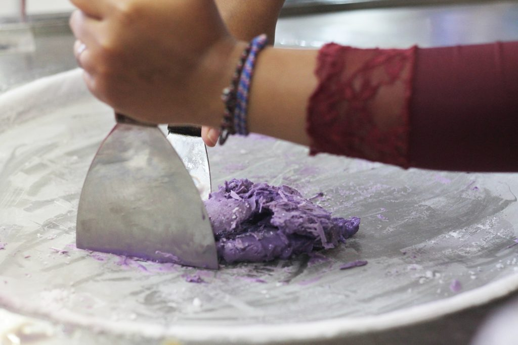 ice-cream-manias-indonesia-step-2