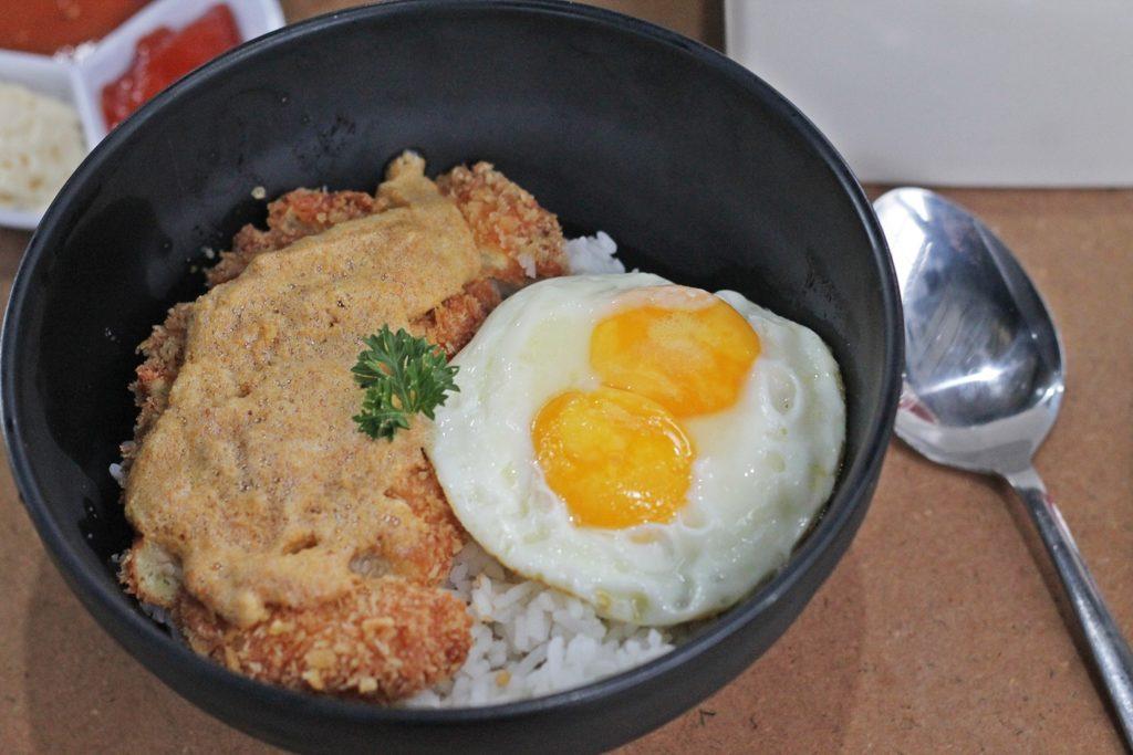 kedai-roti-bakar-543-rice-bowl-telur-asin